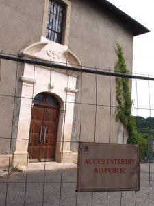 Entrée interdite à l'église de Thairy