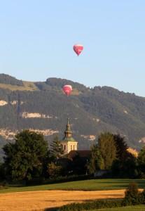 église de Thairy et montgolfières