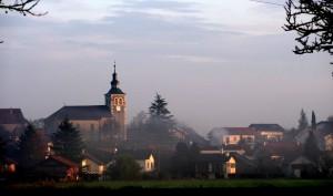église de Thairy dans la brume